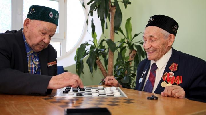 «Наш интернат – во!»: пенсионеры из Уфы рассказали, почему ушли жить в дом престарелых