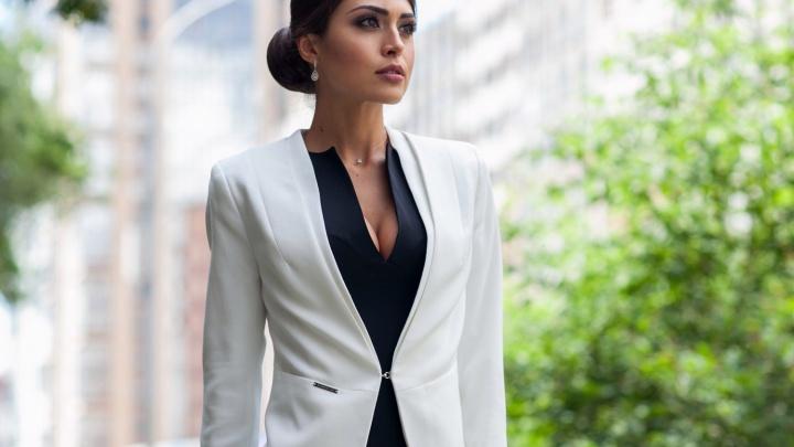 Создать эффектный образ и не нарушить дресс-код поможет клуб бизнес-леди