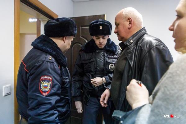 По версии следствия, Андрей Доронин предложил сделку бывшему депутату Алексею Звереву