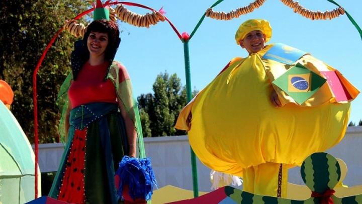 Летающие «дольки» и битва на арбузной мякоти: Камышин готовится к самому сочному фестивалю
