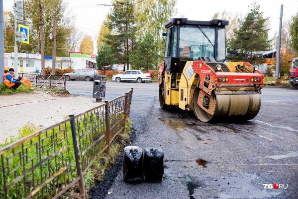 К массовому ремонту дорог в Ярославле власти планировали приступить только в июле