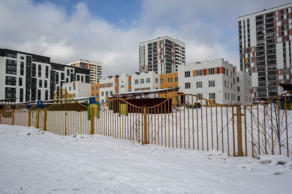 Вместо детского сада на 320 мест микрорайон получит на 100 мест меньше — это объяснили новыми нормативами