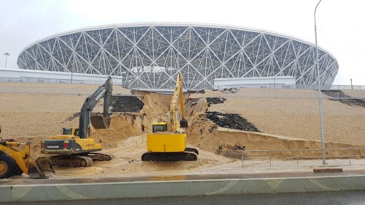 Волгоград накрыло первым ливнем после большого потопа: Нулевая Продольная перекрыта