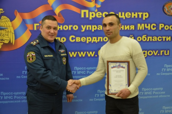 Валерий Казаков выразил благодарность за спасение детей 30-летнему герою