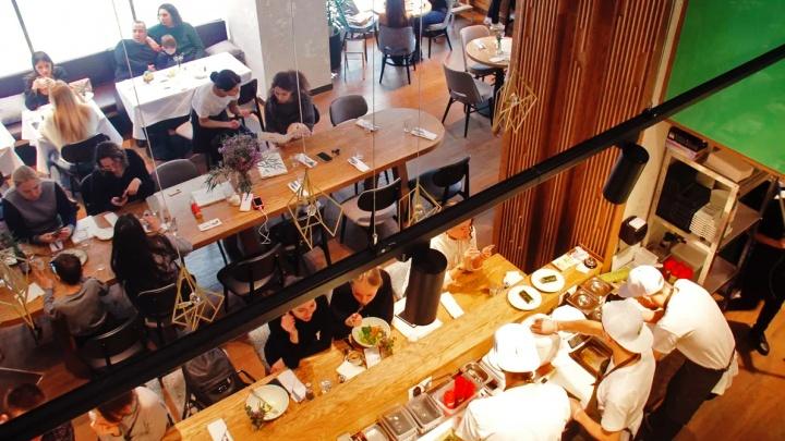 Авокадо дьявола: в Новосибирске заработал ресторан Новикова — главное блюдо везут сюда аж из Доминиканы