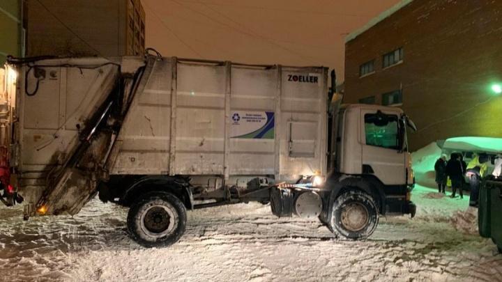 Трагическое ДТП в Самаре: бабушка погибла под колёсами мусоровоза