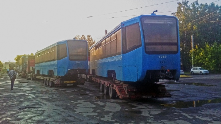 В Новосибирск привезли собянинские трамваи