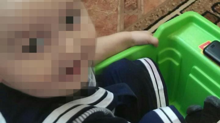 Двухлетний малыш замерз в сугробе в Башкирии, пролежав там всю ночь