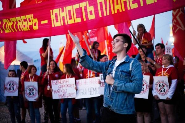 Главным подозреваемым считают бывшего помощника депутата облдумы от ЛДПР Юрия Чекалина Василия Волынского