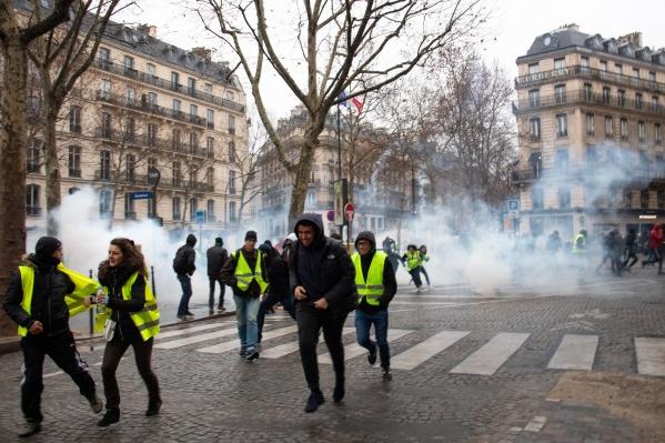 Французы протестуют на улицах