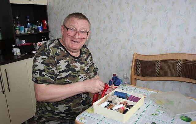 Отец-одиночка из Челябинской области растит дочь-инвалида на 200 рублей в день