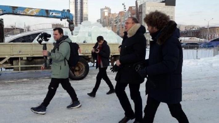 Илья Варламов снял «БДСМ» с мэром Перми: смотрим фоторепортаж с прогулки
