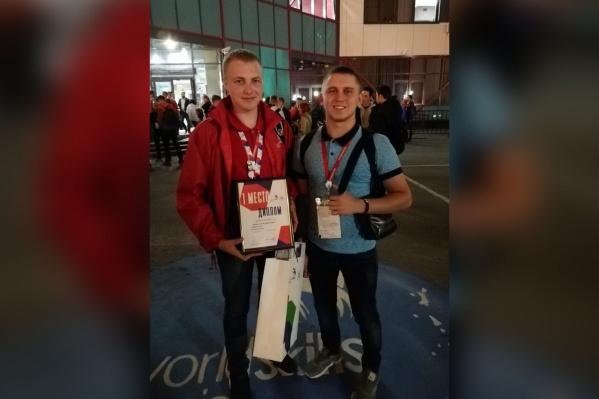 Максим Беляев (слева) вернулся с Сахалина с победой