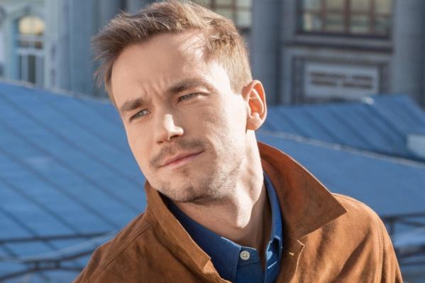 Петров является одним из самых востребованных киноактеров России
