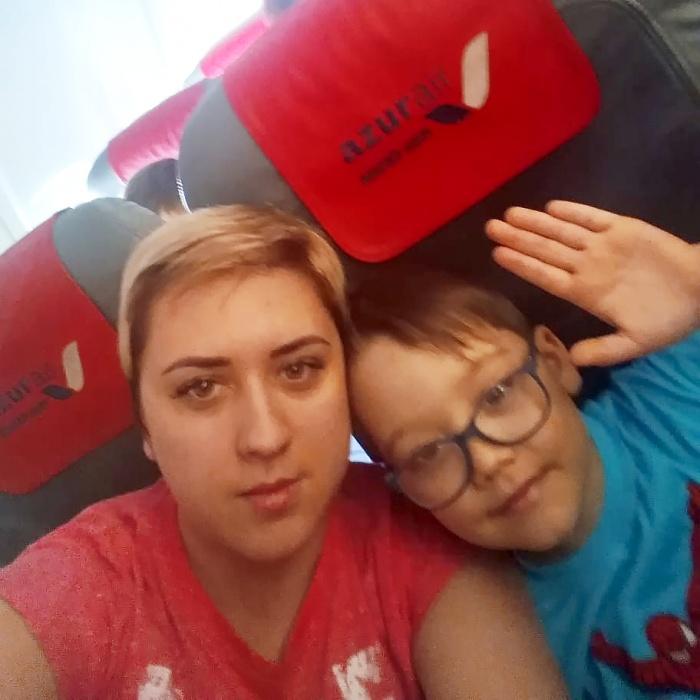 Ольга и её сын. После полёта они вдвоём плохо себя чувствовали