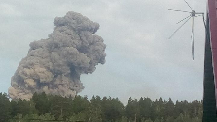 «Разрушения в Каменке серьёзные»: всё, что на сейчас известно о взрыве на складе боеприпасов