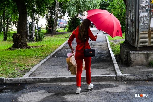 В городе будет тепло, но ожидаются грозы и дожди