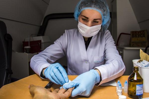Число заболевших выросло, потому что новосибирцы стали чаще сдавать анализы на ВИЧ