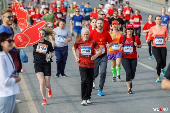 В марафоне приняли участие около 1000 человекот мала до велика