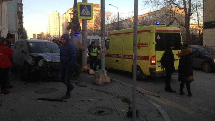 Дорожное видео года: трамвай без водителя, треш на Фурманова и весёлый танцор с Уралмаша