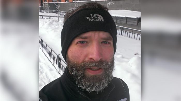 Юрий Филимонов написал в «Твиттере», что не смог записаться к врачу в поликлинике — сегодня стало известно, что новосибирец умер. У него был рак в последней стадии. Юрию было 37 лет