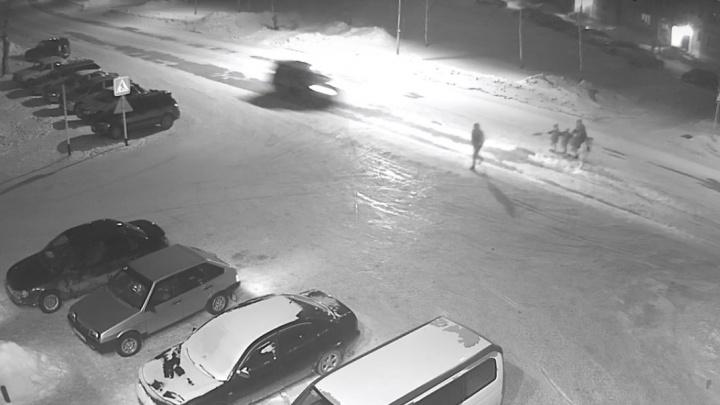 Появилось видео, на котором внедорожник «Пежо» сбил девочку под Новосибирском
