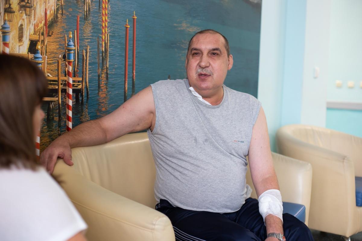 До операции из-за тяжелейших приступов Александр Обухов даже пытался покончить с собой