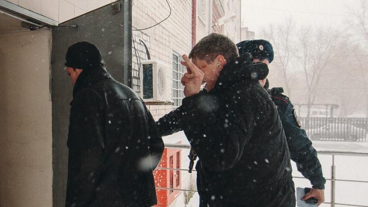Тюменец, избивший водителя из-за аварии во дворе, может лишиться свободы на три года
