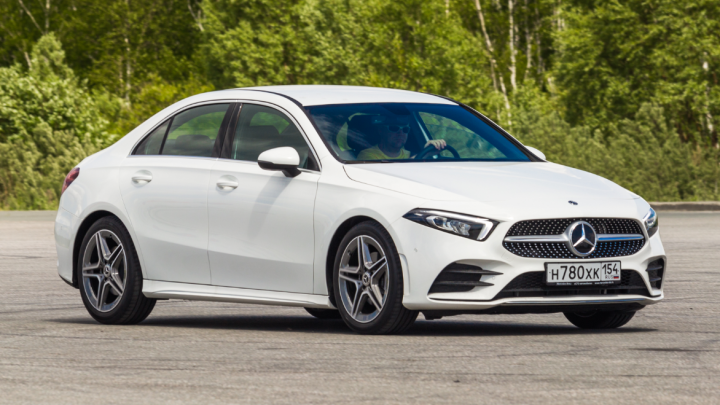 «Мерс» для начинающих:тест-драйв самого дешевого седана Mercedes-Benz