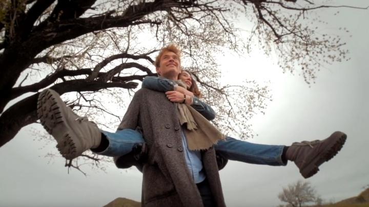 «Песня, под которую хочется влюбиться»: екатеринбургский музыкант Миша Лузин показал новый клип