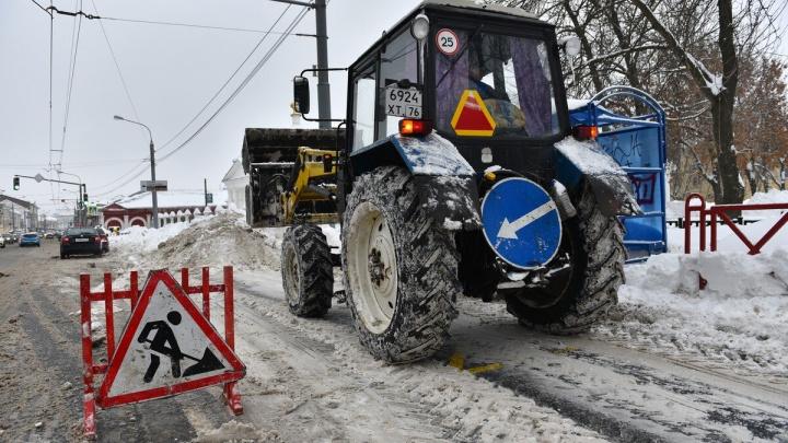 Чиновники районных администраций пересели в снегоуборочные машины: что из этого вышло