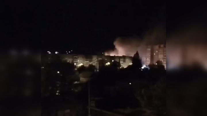 Ночью в районе Дома обороны дотла сгорел дом