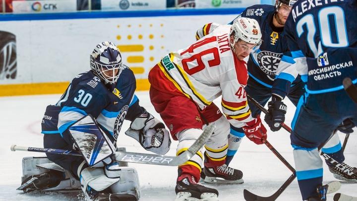 Хоккей: «Сибирь» вырвала победу у китайцев
