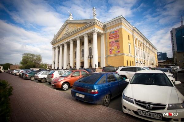 На парковках Челябинска хотят создать не менее 7939 платных мест. Но дальше планов это никуда не идёт