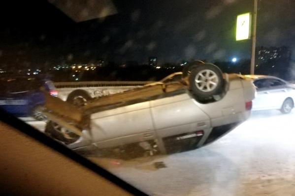 Автомобиль сильно повреждён