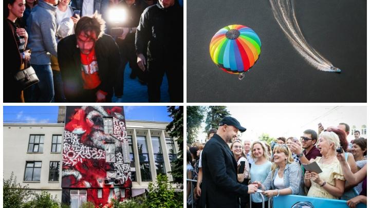 Лучшие фото этой недели: «окровавленный» Петров, яркие воздушные шары и свежий стрит-арт