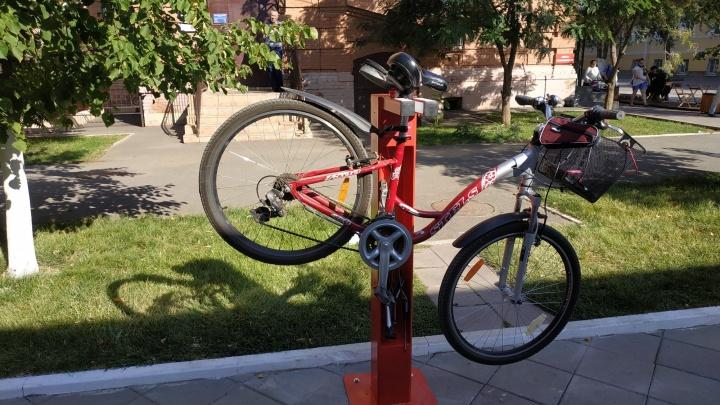 Насос мне в руки: в самарских парках появились бесплатные станции техобслуживания велосипедов