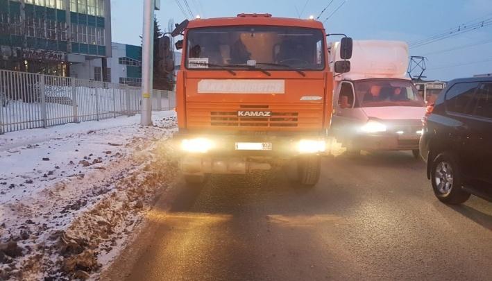 В Уфе водитель грузовика, который насмерть задавил пенсионерку,пришел с повинной к ее родственникам