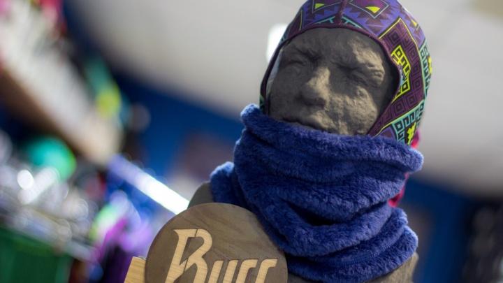 Встать на сноуборд под Новый год: какую экипировку и инвентарь выбрать на ночи распродаж