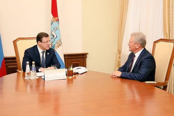 Александру Баландину (справа) предложили побороться за пост главы Нефтегорского района