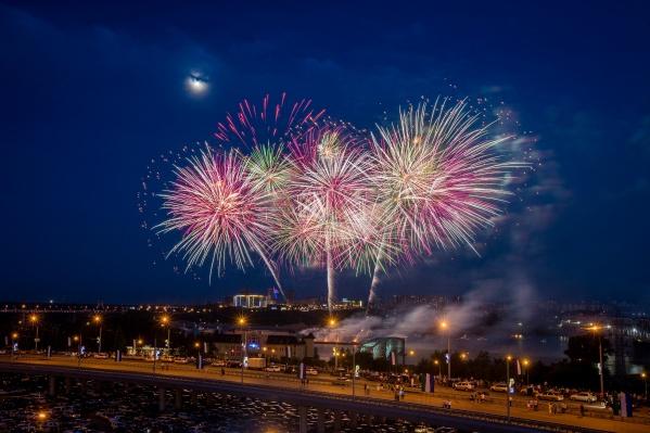 В этом году новосибирцев ждёт масштабный фестиваль фейерверков — в нём впервые участвуют компании из других городов