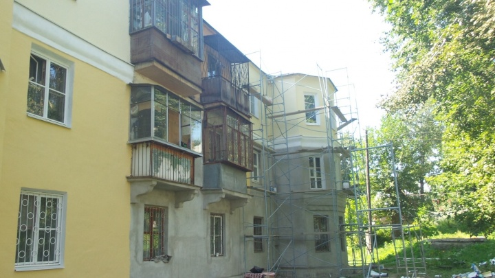 На Бебеля во время капитального ремонта загорелся трёхэтажный дом