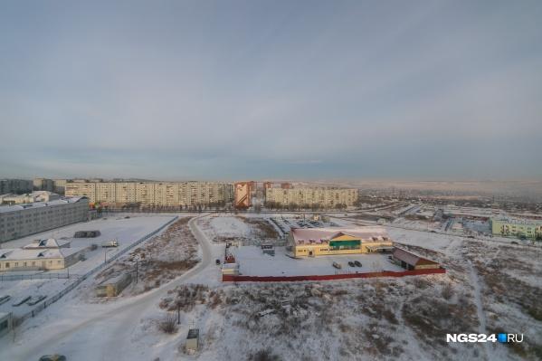 До принятия поправок в ФЗ-214 о долевом застройщики запаслись участками на будущее и получили разрешения на строительство