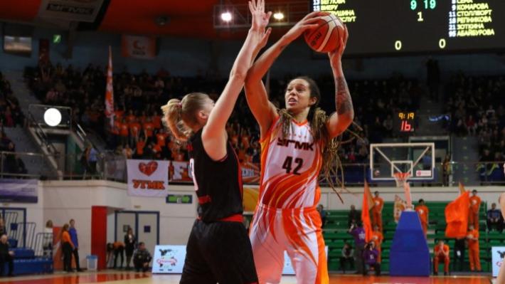 Екатеринбургские баскетболистки завоевали шестую победу в Премьер-лиге