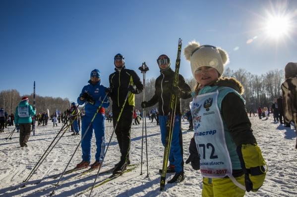 Новосибирск впервые стал столицей гонки«Лыжня России», но из-за морозов соревнования перенесли