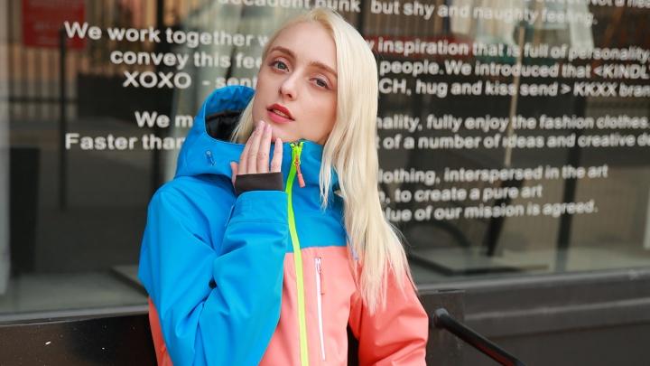 Глобальная распродажа: где купить стильные толстовки от 199 рублей, а пуховики — от 999 рублей
