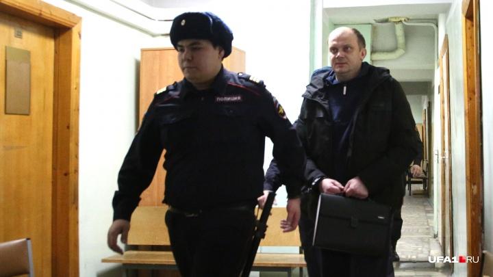 Суд Уфы пересмотрел домашний арест Павла Яромчука, которого обвиняют в изнасиловании дознавательницы