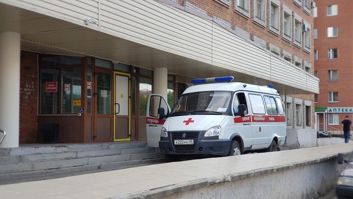 Для больниц Зауралья закупили 18 новых автомобилей скорой
