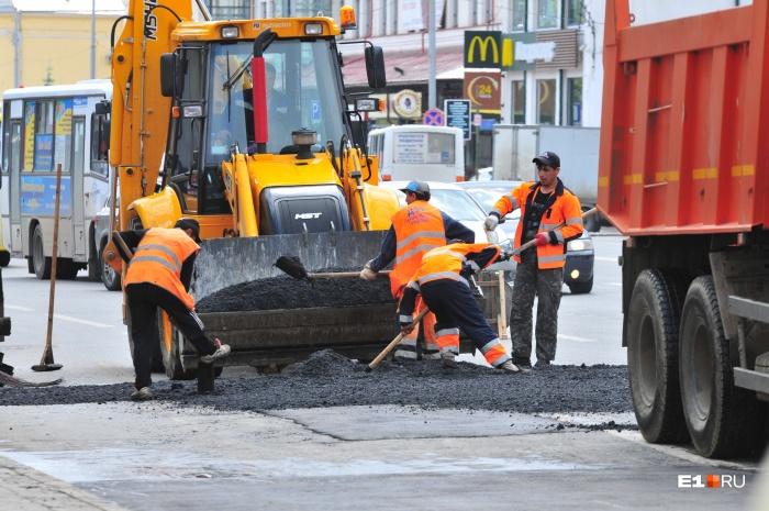 Ремонт дорог стартовал в Екатеринбурге в начале мая