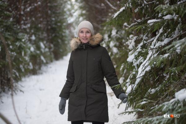 Мария Коростелёва уже восемь лет зарабатывает на тех, кто хочет сам срубить ёлку